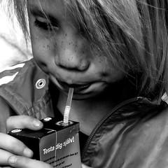 B&W (josephzohn | flickr) Tags: people blackandwhite bw juice svartvitt människor sugrör