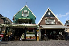 Cheesy grins and smoked eels in Volendam (Tours and Tales.com) Tags: holland dutch thingstodo volendam