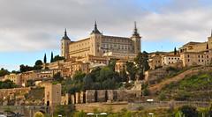 Alcazar de Toledo (lumog37) Tags: castles museum architecture arquitectura bridges puentes museo castillos