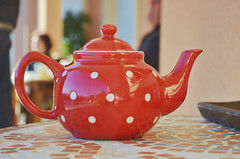 Teatime (Tinina67) Tags: friends red white france time tea library polka pot tina dots tee gaudens tinina67