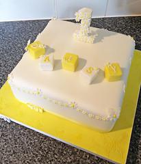 Daisy 1st Birthday Cake