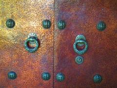 museum door knockers (MissyPenny) Tags: door museum pennsylvania romanesque buckscounty doorknockers historiclandmark glencairnmuseum brynathynpennsylvania pdlaich missypenny