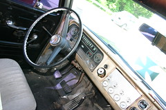 "1964 Chevy Suburban • <a style=""font-size:0.8em;"" href=""http://www.flickr.com/photos/85572005@N00/8411570734/"" target=""_blank"">View on Flickr</a>"