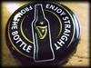 Corcholata Irlandesa (José Ramón de Lothlórien) Tags: dublin macro beer dark bottle cerveza jr guinness obscura aluminio corcholata producciones