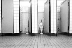Open Doors / Tag der offenen Türen (micagoto) Tags: toilet wc toiletten doors door türen tür fliesen kacheln kachelausstellung pinkeln bedürfnisanstalt topv555