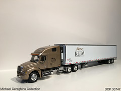 Diecast replica of KLLM Freightliner Columbia, DCP 30747 (Michael Cereghino (Avsfan118)) Tags: dcp 30747 diecast die cast promotions promotion semi truck toy model replica 164 scale kllm transport transportation service freightliner columbia