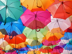 Agitgueda (Cmxi24) Tags: paraguas agueda aguitagueda umbrellasky umbrella streetart colorfull