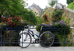 Kemper (Quimper), Str Deir / Ster (river) (Sebasti Giralt) Tags: bretanya breizh bretagne bretaa brittany kemper quimper riu ro river bicicleta bycicle flors flores flowers