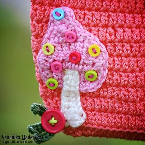 Little #mushroom from my magical garden 😄😘 #vendulkam #crochetapplique #crocheteveryday #crochetingmakesmehappy #crochetpurse #forlittlegirls #crocheting #crochetlover #crochetaddict #crochetmushroom #magicwithhookandneedles #crochetba