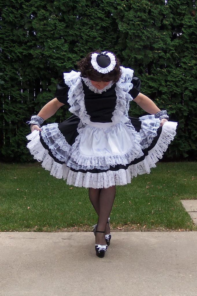 Tranny maid curtsey