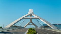 El puente del tercer milenio #2 (Jannik K) Tags: symmetry symmetrie architecture architektur blue urban composition buliding bridge brcke komposition spain spanien expo 2008 samsung nx1 zaragoza zaragossa colors colours farben