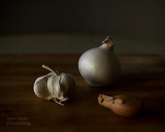 Still life with garlic... (l'imagerie potique) Tags: limageriepotique poeticimagery stilllife naturemorte lail garlic lonignon leschalotte shallot onion