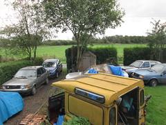 IMG_0497 Too much stuff - again (robsue888) Tags: volvo360glt volvo343dl volvos40 landrover merseyside