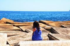 Tempo de Refletir (fhmolina) Tags: barcelona sea woman praia beach girl mar spain espanha mulher playa barceloneta praiadebarceloneta