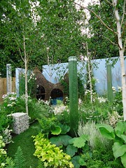 RHS Hampton Court - The Willow Den (apollocreative) Tags: garden sensory bubbletubes