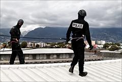 Mise en place (stef974run) Tags: cops runion swat hauteur bommert interpellation policenationale tih gipn fipn cneas