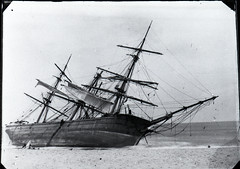 Unidentified Sailing Ship, Newcastle, NSW, [n.d] (Cultural Collections, University of Newcastle) Tags: australia shipwreck sailingship beachedship maritimeaccident bertlovettcollection newcastleregionnswhistorypictorialworks b1p32r2n3 02f37f1
