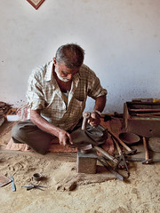 Gujarat : Nirona, Gujarat : Nirona, Copper Coated Metal Bells #4 (foto_morgana) Tags: india bells asia tribal ethnic handicrafts gujarat meghwal nirona lohar copperbells kachchhdistrict