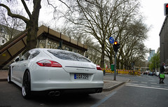 Porsche Panamera Turbo (MauriceVanGestel Photography) Tags: auto cars car sport germany de deutschland blackwhite power zwartwit d centre north 911 stadtmitte turbo german coche porsche alemania autos rims dsseldorf rhine altstadt zentrum centrum coches germancar sportscar deutsch carrera duitsland porsche911 k knigsallee 991 duits alemn sportwagen westphalia porschecarrera porscheturbo northrhinewestphalia blackonwhite velgen panamera rhinewestphalia porsche911carrera northrhine porschepanamera 911carrera duitseauto whiteporsche zwartopwit sportwagens porsche991 panameraturbo vierdeurs porschepanameraturbo whiteporschepanamera knigsalleedsseldorf foordoor carsdsseldorf autosdsseldorf kdsseldorf porschedsseldorf witteporsche vierdeursporsche foordoorporsche whitepanamera wittepanamera 991carrera porscheblanco witteporschepanamera