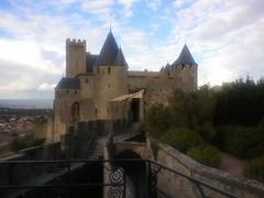 Carcassonne, le Château Comtal (zoizo) Tags: france day cloudy aude carcassonne languedoc