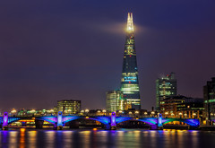 London - Skyscraper Lighthouse (John & Tina Reid) Tags: winter london architecture unitedkingdom londonbynight southwarkbridge jonreid londonattractions theshard tinareid nomadicvisioncom londonpointofinterest