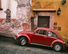 Urban Colors (engjoneer) Tags: car film nikon35ti provia400x street sanmigueldeallende mexico