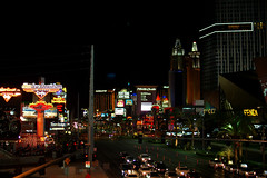 DSC_2767_edit (meowbasiacat) Tags: lasvegas nightphotography night citylights casino