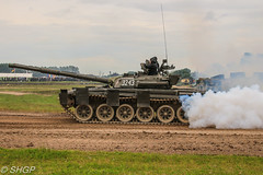 T-72, Tank Fest 2016, Bovington Tank Museum (harrison-green) Tags: fv4205 chieftain armoured vehiclelaunched bridge avlb tank fest 2016 bovington museum armour armor vehicle canadian army land forces armed day military canon eos 700d sigma 18250mm outdoor british uk united kingdom challenger 2 ii khalid sword jordanian jordan mbt main battle royal arrv bridgelayer sans sid sign signature integration demonstrator rolls royce car tractor alvis stalwart t72 t55 type m60 m60a1 patton a3 m60a3