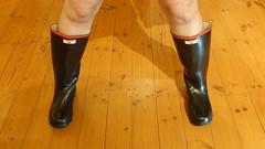 Dawn of a New Century (essex_mud_explorer) Tags: redtrim redtops century gates rubber wellingtons wellies wellington welly boots wellingtonboots rubberboots gummistiefel gumboots rainboots rainwear madeinbritain vintage