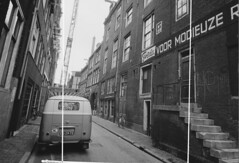 EG-29-73 Volkswagen Transporter 1960 (Wouter Duijndam) Tags: eg2973 volkswagen transporter 1960 sweda muur reclame modieuze regenkleding zandstraat nv2994