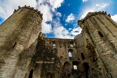 Looking inside Nunney Castle (21mapple) Tags: nunney nunneycastle castle ruins englishheritage england canon750d canon canoneos750d canoneos clouds turret windows medieval