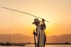 Fisherman (Karl-Heinz Bitter) Tags: inlelake lake see inle fischer myanmar burma birma wasser netzt fishernetz water hills berge sunrise sonne licht light reise travel khbitter karlheinzbitter