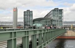 Hauptbahnhof (Simpel1) Tags: germany berlin nikon nikond300 mitte hauptbahnhof centralstation