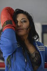 Illy Vita (elparison) Tags: boxeur sport boxe woman sexy braleess