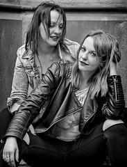 Street Girl Twins (Mdarkbyte) Tags: twins zwillinge frau frauen schwarzweiss blackwhite fotowalk aachen deutschland germany europe mmmomentaufnahme young street streetstyle turnschuhe lederjacke jeans fresh 2016 geschwister nikon d750 portrait group