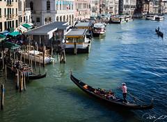 2016-08-10_Venedig - Venice_IMG_7901 (dieter_weinelt) Tags: bluesky brcken dieter fiona gondeln kanal kanle melanie sommer2016 sonnenschein touristen venedig venice victoria blauerhimmel boats boote bridges canals gondolas summer2016 sunshine tourists