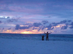 Jump for joy! (Nasaw views) Tags: dusk indianocean skyonfire meeru meerufenfushi jumpforjoy amberorb meerusunsets