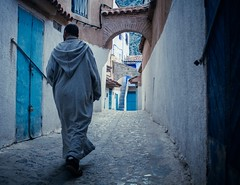 Dans le labyrinthe (cafard cosmique) Tags: africa mountain photography photo foto image northafrica morocco maroc chaouen chefchaouen marruecos marokko rif marrocos afrique chefchouen xaouen chouen afriquedunord    bluetowncity
