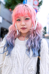 Pink Eyebrows in Shibuya (tokyofashion) Tags: fashion japan tokyo shibuya style pinkhair 2012 streetfashion coloredhair pinkeyebrows dipdyehair