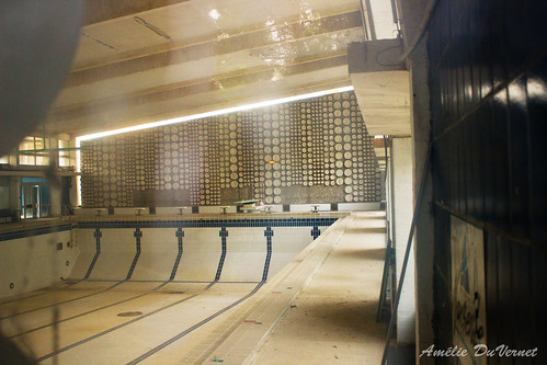 "La piscine dans la garrigue • <a style=""font-size:0.8em;"" href=""http://www.flickr.com/photos/60395175@N00/8103411400/"" target=""_blank"">View on Flickr</a>"