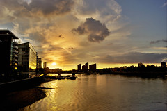 """Sunset in Battersea • <a style=""""font-size:0.8em;"""" href=""""http://www.flickr.com/photos/79232773@N03/8105358090/"""" target=""""_blank"""">View on Flickr</a>"""