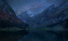 moonlight. (Radiohead.) Tags: moon lake alps cold reflection nature night forest canon eos star see suisse swiss 14 hans berge midnight moonlight 5d 24mm alpen stern wald moutain starts mystic sterne findling milkyway milchstrase schwaeiz