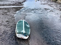 The Frozen Boat (twinbowlers) Tags: life old sea england dog holiday beach nature landscape fun boats boat dayout iphone iphone5