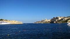 Ta' Xbiex (debreczeniemoke) Tags: sea town view malta tenger mediterraneansea valletta vros manoelisland taxbiex kilts marsamxettharbour mlta fldkzitenger marsamxetto canonpowershotsx20is marsamuscetto marsamxettbl manoelsziget
