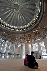 SOLAH (mozakim) Tags: beautiful architecture hall asia interior muslim islam prayer pray mosque malaysia putrajaya islamic solat solah
