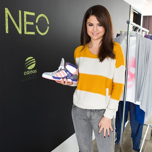 adidas neo gold shoes