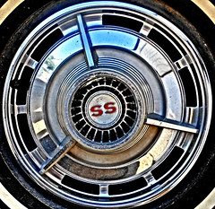 63 Impala SS Hub Cap (d-russell4213) Tags: chevrolet hub nikon ss chevy cap coolpix