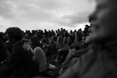 The audience (Alexandre Dulaunoy) Tags: sooc bw belgium chassepierre chassepierre2016 spectable theaudienceiswatchingaperformance lepublicregardeuneperformance lepublic performance art noiretblanc noirblanc blackwhite