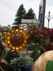 P6080788 (photos-by-sherm) Tags: good quilts retail garden flowers sculpture yard accessories amana iowa summer decorations metal