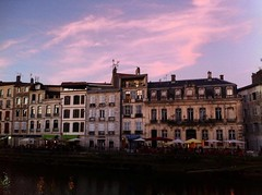 Bayonne (mrjcrr) Tags: bayonne vue view landscape paysahe architecture batiments sunset sun sky ciel soleil colors sudouest paysbasque france